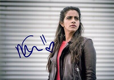 £0.49 • Buy MANDIP GILL YAZ DR WHO SIGNED AUTOGRAPH 6 X 4 POSTCARD SIZE PRE PRINTED PHOTO
