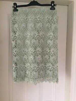 £8 • Buy Reiss Lace Skirt Size 8. Immaculate
