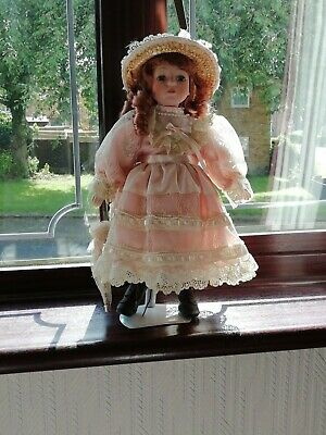 £4.50 • Buy A Beautiful Vintage Collectors Porcelain Doll  With Stand