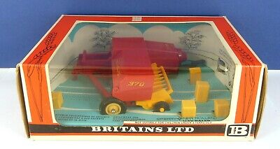 AU90.11 • Buy Britains 9556 Farm Tractor Implements New Holland 376 Hay Baler ( Mint & Boxed