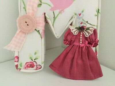 £15.95 • Buy Dolls House 1/12th Scale Gorgeous Handmade Woman's Burgundy Pink Dress On Hanger