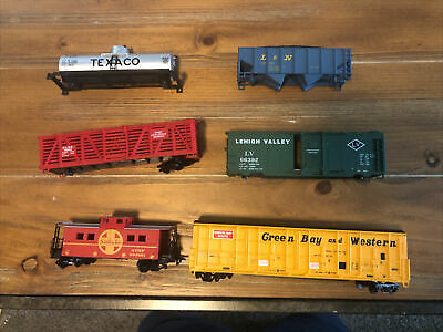$ CDN2.51 • Buy Lot Of HO Trains Cars Parts - Good For Parts