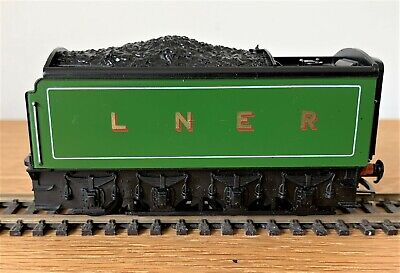 £6 • Buy Super Condition Hornby R851 Tender For An A1/a3 Loco In Lner Livery.