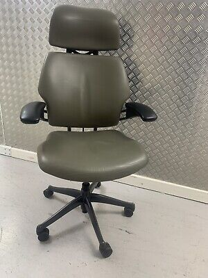 £426 • Buy Humanscale Freedom Chair HighBack/Headrest Leather