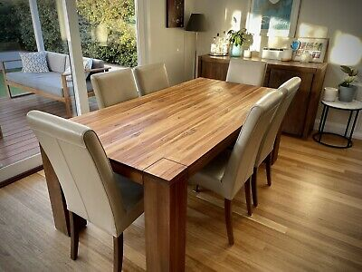 AU760 • Buy Oak Dining Table & 6 Dining Chairs (Good Condition)