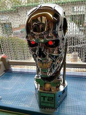 £2000 • Buy Sideshow Collectibles Terminator 2 Judgment Day  T-800 (chrome) 1:1 Scale