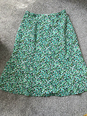 £10 • Buy Cotswold Collections Green Floral Midi Skirt Size 18 Y2k