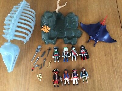 £19.99 • Buy Playmobil Pirates Ghost Whale Skeleton Glow In The Dark Manta Ray 10 Figures