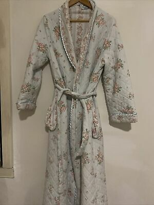 AU12.50 • Buy Dressing Gown Givoni