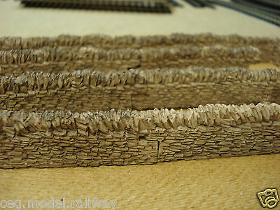 £4.99 • Buy 8 Pieces Of STONE WALLING SUIT HORNBY Train Coach Track  00 GAUGE BRAND NEW
