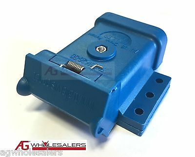 AU14 • Buy Blue Anderson Plug Mounting Kit 50a  Mount Cover Dust Cap External Trailer