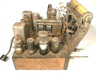 $ CDN89.84 • Buy Vintage SILVERTONE 4686 RADIO Part: Untested CHASSIS W/ 9 TUBES