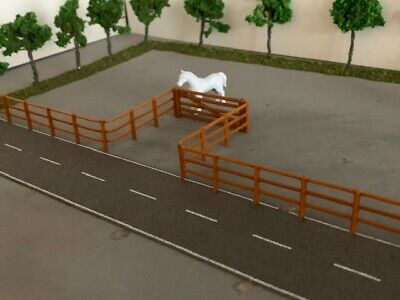 £5.49 • Buy OO Guage 1:76 Scale Fence Track Or Field 2 Meters 10x200mm + 5 Bar Gate
