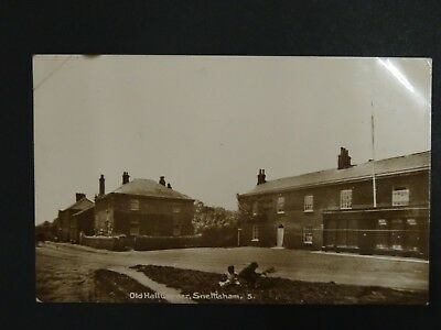 Postcard-p/c - Old Hall Corner, Snettisham - Norfolk County • 9.99£