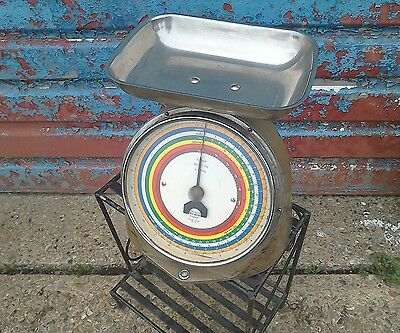 Vintage Post Office Scales • 40£