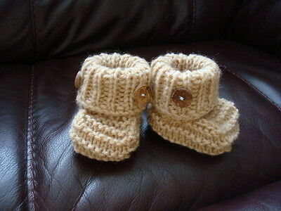 Hand Knitted Baby Booties Sole 3    • 2.99£