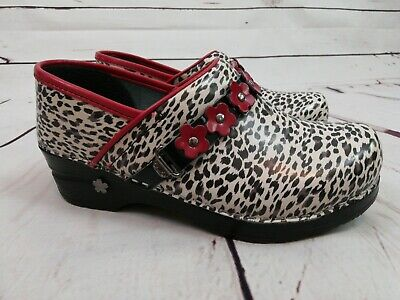 399a86e001d6 Koi By Sanita Clogs Size 35 Womens Shoe Leopard Animal Print Red Flowers  EUC • 34.99
