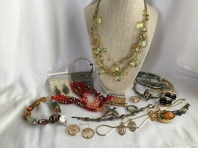 $ CDN18.51 • Buy Mixed Lot Of Costume Jewelry Vintage Earrings Bracelets Necklaces Rings