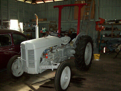 AU2550 • Buy TEA20 Ferguson Tractor Petrol 1955 C/w ROPS, Top Link And Drawbar