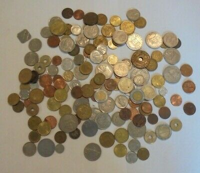Mixed Job Lot Old & New Foreign Coins. • 10£