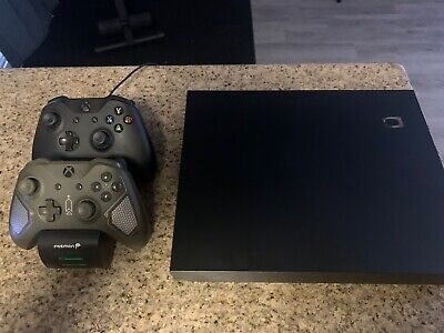 $200.50 • Buy Microsoft Xbox One X 1TB Console - Black With 2 Controllers And Charging Station