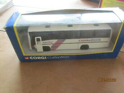 CORGI PLAXTON COACH - NATIONAL EXPRESS No. 32602 • 5£