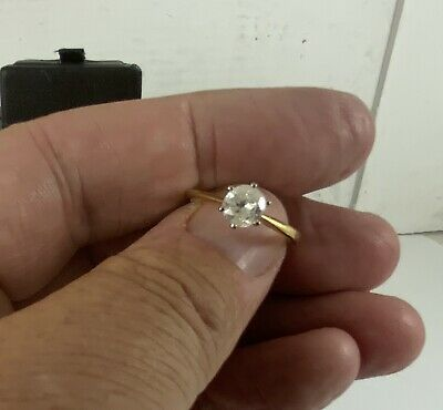 One Carat Diamond Solitaire Ring 18ct Gold • 1,000£