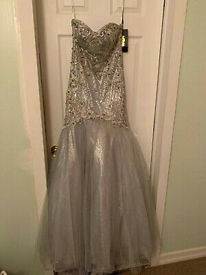 $ CDN498.75 • Buy MNM Couture Mermaid Sequin/Beaded Gown Silver Size 2 NWT