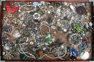 Mixed Job Lot Of Vintage Costume Jewellery & Parts Wear, Spares & Repairs 1.6 Kg • 6.50£