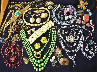 $ CDN258 • Buy LARGE VINTAGE RHINESTONE CRYSTAL Costume & Designer Jewelry Lot AURORA BOREALIS