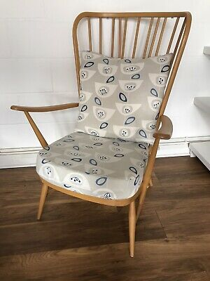 Vintage Ercol Windsor Armchair Beautiful Near Mint Condition & Upholstered • 300£