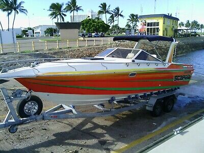 AU16200 • Buy Scarab 26 Haines 773.Excellent Fishing Family Boat.200 Hrs.Mercruiser.Race