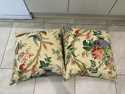 2 Oriental Style Feather Cushions • 30£