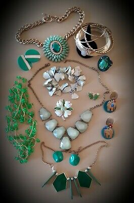 $ CDN17.45 • Buy 🍃💚Vintage Stunning Green Toned Jewelry Lot,Brooch,Necklaces,Ring,Bracelet🍃#19