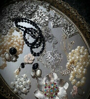$ CDN14.95 • Buy LIVE AUCTION FIND~ Vintage To Now~ Costume Jewelry Lot Rhinestones,STUNNING! #5