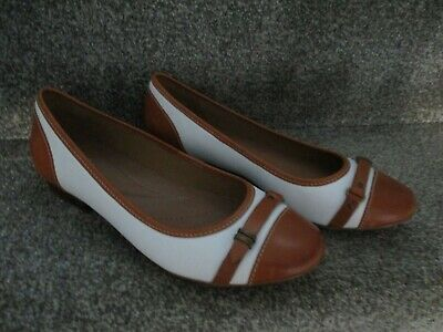 Clarks Artisan Ladies White And Tan Ballerina Dolly Pumps Flats Size 6 D • 17.99£
