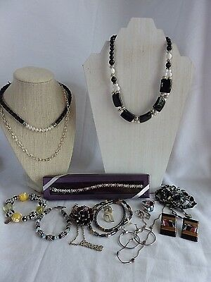 $ CDN21.03 • Buy Mixed Lot Of Vintage To Costume Jewelry Necklaces Earrings Bracelet Rings