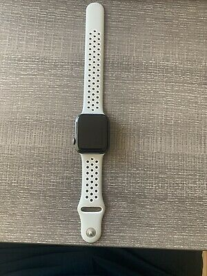 $ CDN380.85 • Buy Apple Watch Series 4 44 Mm Space Gray Aluminum Case With Nike Style Band (READ)