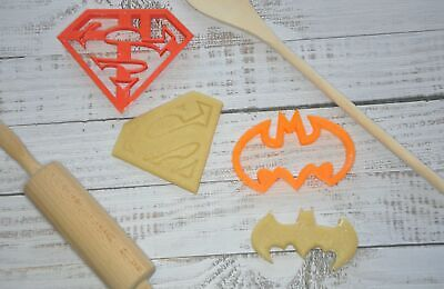 Cookie Cutter - DC Batman / Superman • 7£