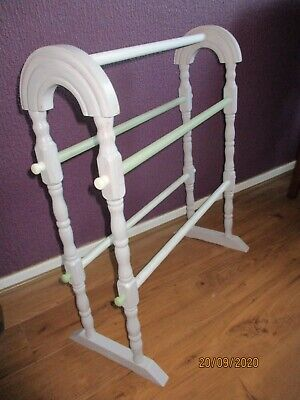 Wooden Towel Rail, Free Standing Shabby Chic • 24.99£