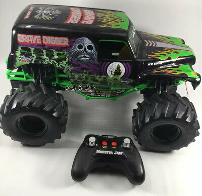 Grave Digger Monster Jam Remote Control Truck RC 1:15 Scale 2.4GHz With Remote • 23.77£