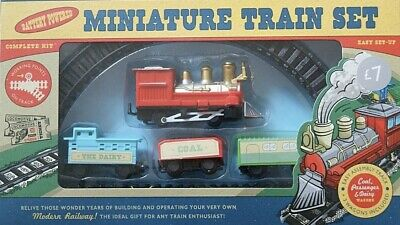 NEW Miniature Train Set Battery Powered Kids Toys Xmas Gift Stocking Filler 🎄🚂 • 5.99£