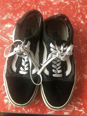AU5 • Buy Vans Classic Old Skool Black Sneakers