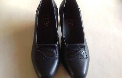 Used Equity Navy Shoes Size 5 Standard Fit • 5.99£