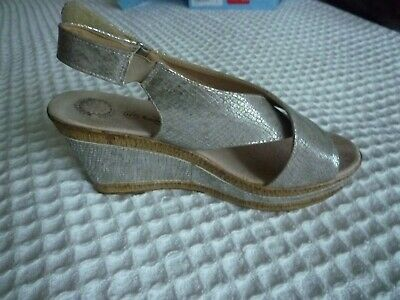 Ladies Wedge Shoes Size 5 Pewter New Without Box • 14.95£