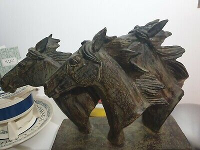 Large Horse Statue • 25£