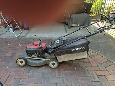 AU500 • Buy Honda Self Propelled Lawn Mower HRU216 With Mulcher Attachment. Pickup Only.