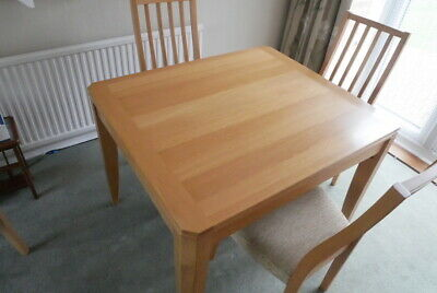 Ercol Table & 4 Chairs • 400£