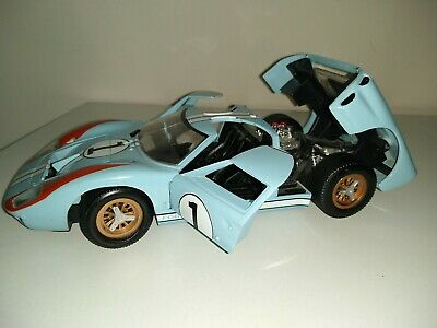 Universal Hobbies Ford GT 40 • 29.99£