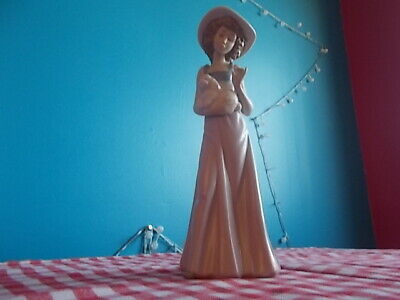 Nao Figurine,girl With Hat And Puppy • 0.99£